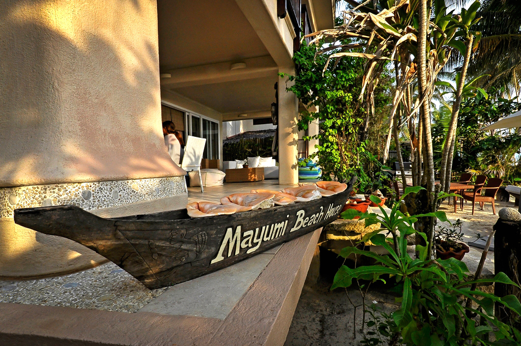 myboracayguideroomsboracay-hotel-Mayumi-Beach-House-1.jpg
