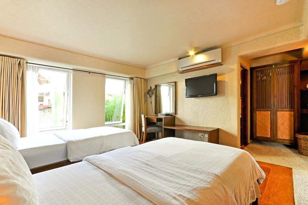 myboracayguideroomsboracay-hotel-Mayumi-Beach-House-14.jpg