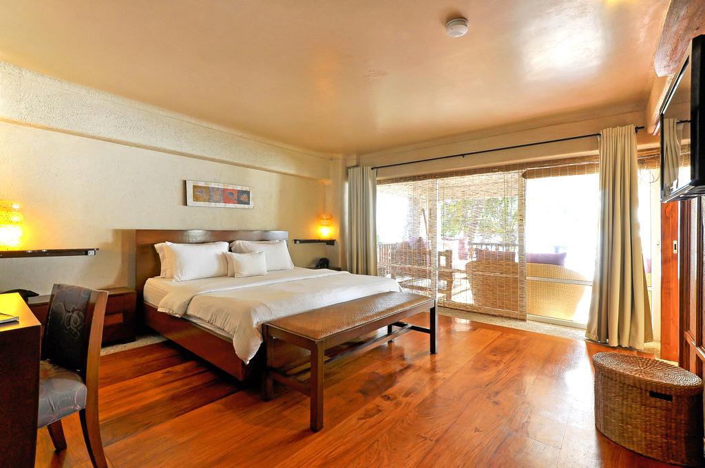 myboracayguideroomsboracay-hotel-Mayumi-Beach-House-9.jpg