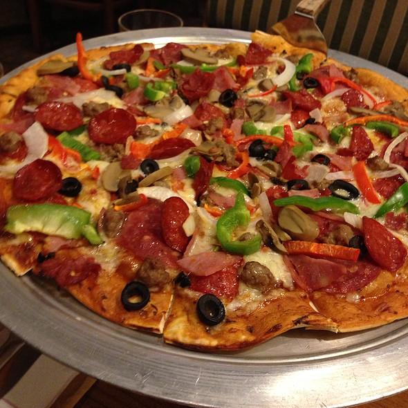 """Shakey's Pizza """"Fun, Family, Pizza!"""""""
