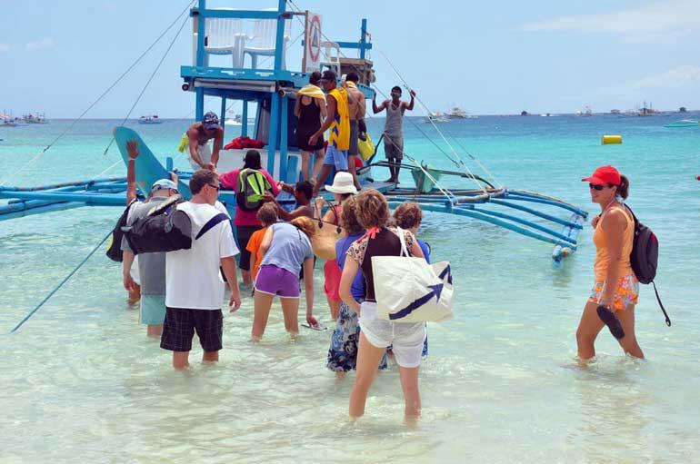 Group Island Hopping Boracay Activity