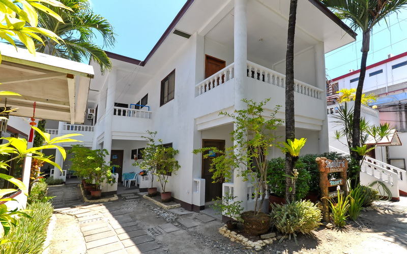 Second Wind Bed Bunk and Breakfast Boracay