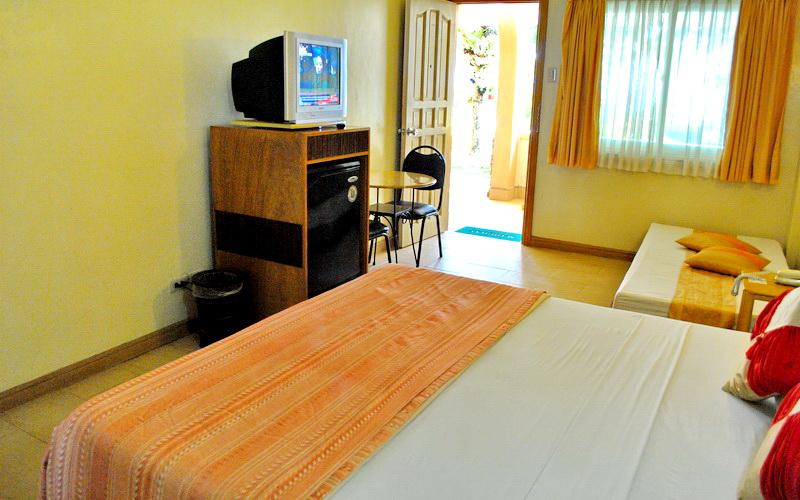 Willy's Beach Club Hotel Boracay